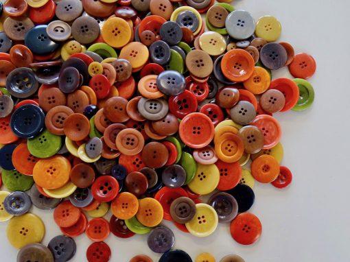 Steinnuss färben Färbung von Steinnussknöpfen Knopffärbung Färbung von Knöpfen Fäberei Knopf